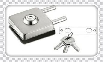 忘带钥匙开锁小窍门-叫人开锁一般需要多少钱_防盗门简单开锁技巧-门缝太紧卡片开锁