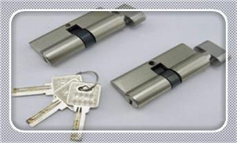 忘带钥匙开锁小窍门-上门开锁小技巧10秒开锁_防盗门开锁神器视频方法-多少钱一次