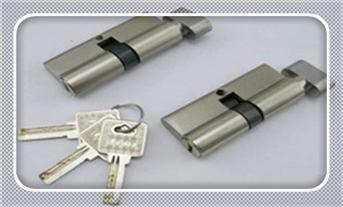 换锁公司联系电话-保险柜换锁芯大概需要多少钱_换锁芯和换锁什么区别-换锁芯找谁比较安全