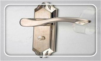如何用铁丝开锁钥匙丢了门锁旋转-技巧-图解_没带钥匙怎么开锁-叫人开锁一般需要多少钱