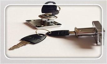 配汽车钥匙附近哪里有店?-多少钱一把_如何用一根针开锁-一根铁丝开锁图解