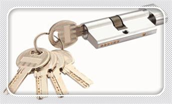 附近修锁换锁配钥匙的地址地方-的师傅电话是多少_开汽车锁24小时上门服务电话-开汽车锁大概多少钱