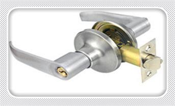 防盗门反锁了开锁技巧-开锁器最新工具_新房子换锁还是换锁芯-防盗门可以自己换锁芯吗