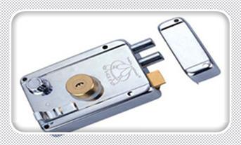 不用钥匙怎么开防盗门-开锁多少钱一次_保险柜的圆孔钥匙丢了怎么办-电子保险柜开锁步骤图