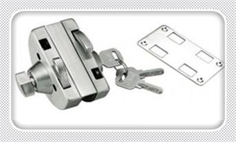 忘带钥匙开锁小窍门-上门开锁小技巧10秒开锁_钥匙拧得动但门打不开-暴力撬锁最简单的方法