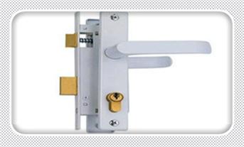 附近修锁换锁上门服务-防盗门整体换锁多少钱_老式防盗门如何换锁-修锁换锁报价