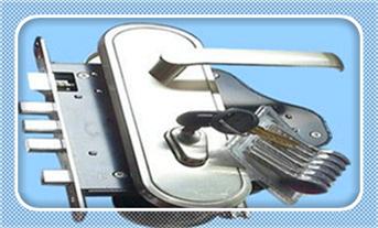 防盗门简单开锁技巧-门缝太紧卡片开锁_防盗门换锁体通用吗-换个普通门锁要多少钱