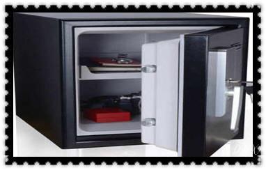 摩托车配防盗钥匙多少钱-匹配开锁公司师傅电话-_开修换保险箱柜锁密码锁-配汽车摩托车遥控芯片钥匙-